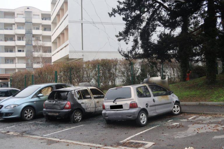 voitures brûlées 2020