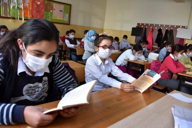 enfants masques virus