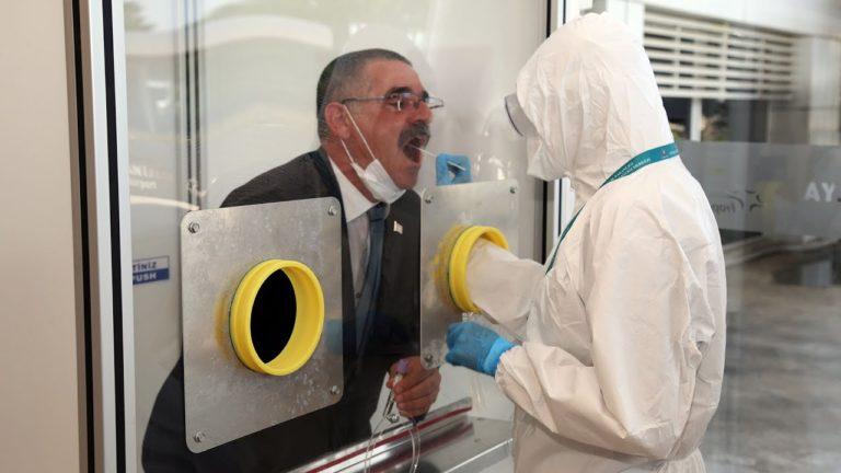 test coronavirus aéroport